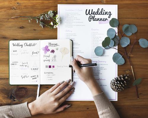 7fe4250fab879 おふたりの結婚式二次会がしっかり進めていけるように、誰に何を頼むことで円滑に準備が進めていくことできるのかを事前に考えておきましょう◎